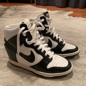 Nike Women's Dunk SKY HIGH HIDDEN WEDGE